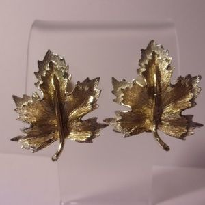 Sarah Coventry Nature's Choice Clip Earrings